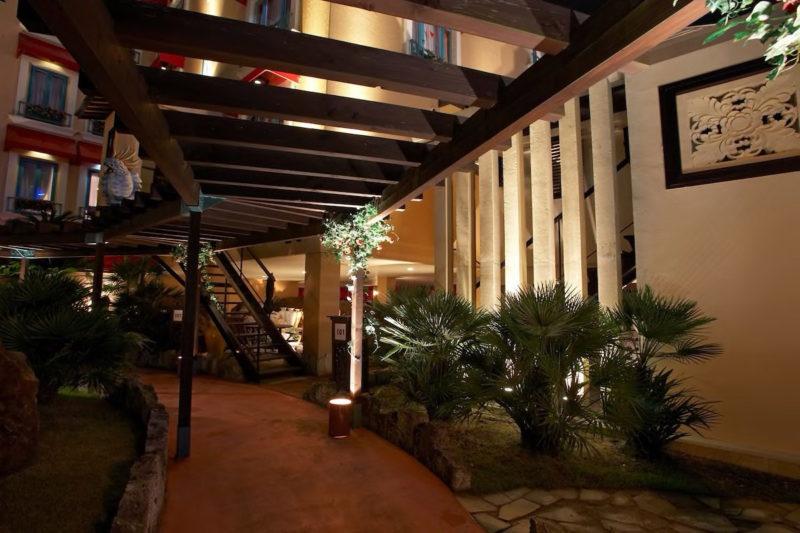 ホテルパームス エントランス